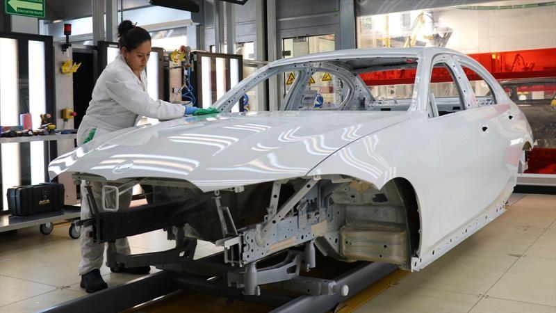 Industria automotriz en México reiniciaría producción antes del 1 junio