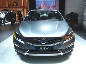 Volvo S60 Cross Country, se presenta en Detroit