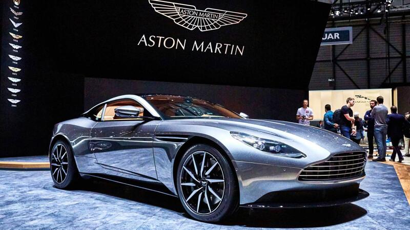 Mercedes-Benz aumenta sus acciones en Aston Martin
