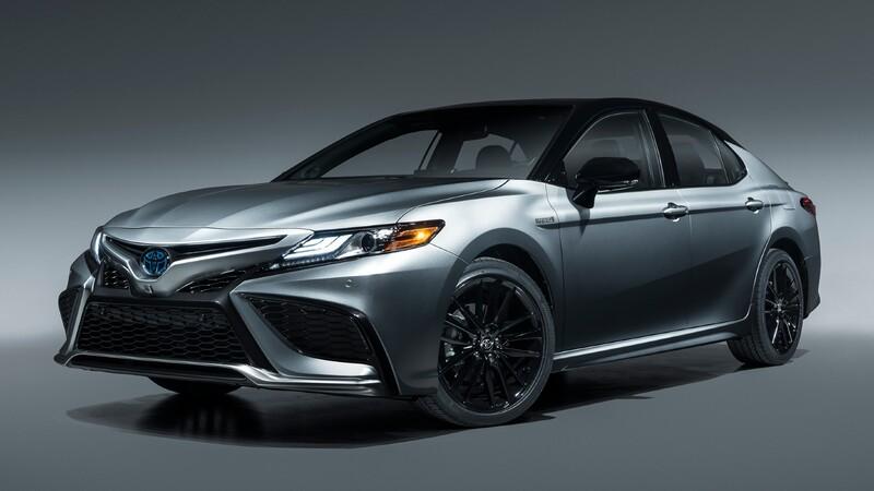 Toyota Camry 2021 se presenta
