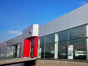 Nissan inaugura showroom en Pudahuel