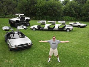 Conocé a la colección más extravagante de DeLorean DMC12