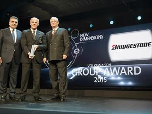 Grupo Volkswagen le entregó un premio a Bridgestone