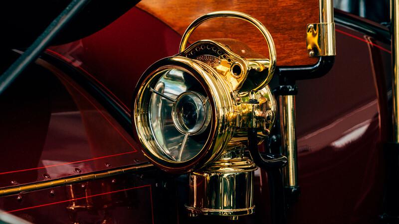 ¿Cómo llegaron las ópticas eléctricas a los automóviles?