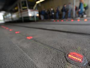 Crean semáforos para adictos al teléfono celular