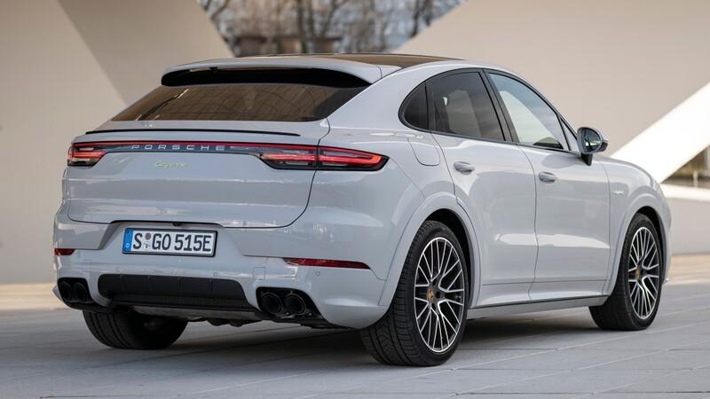 Porsche Cayenne E-Hybrid, la versión híbrida plug-in, ofrece más autonomía en modo eléctrico