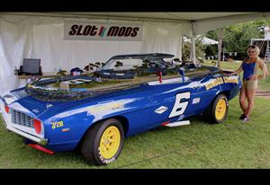 Chevrolet Camaro soporte de pista... Scalextric
