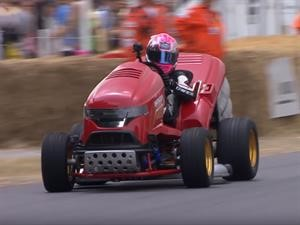 Honda Mean Mower V2 se luce en Goodwood