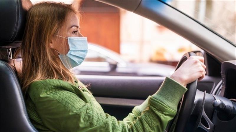 Uber exigirá el uso obligatorio de cubre bocas a conductores y pasajeros en todo el mundo