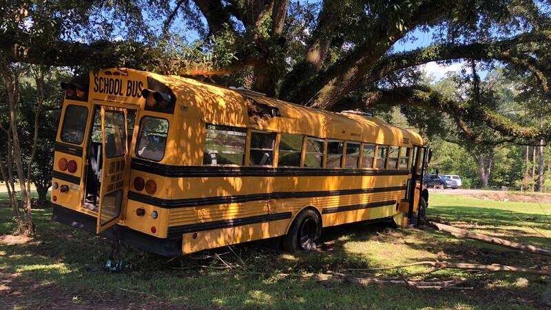 Un niño de 11 años roba un camión escolar y es detenido tras una persecución de película