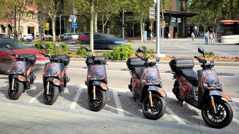Seat ofrece servicio de motosharing en España