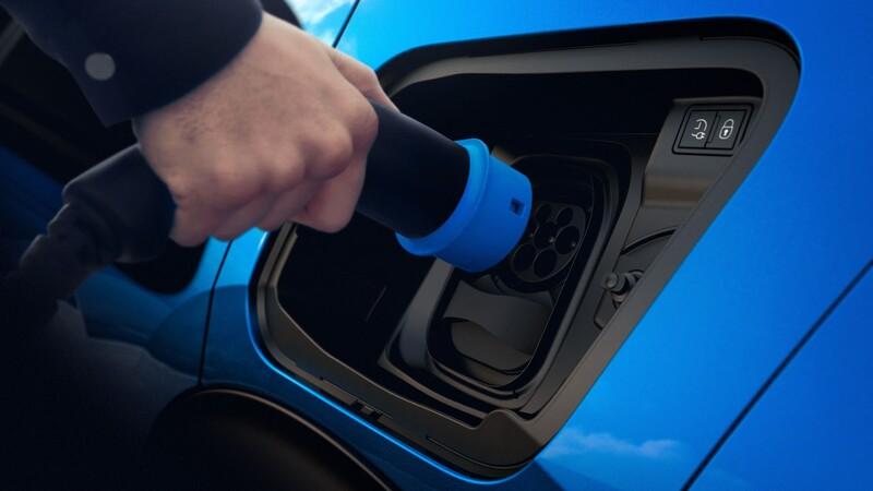 Uber quiere que en 2040 todos sus autos sean eléctricos