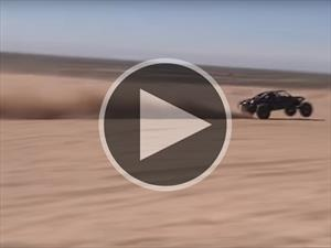 Video: un buggy de 1.600 CV volando por las dunas