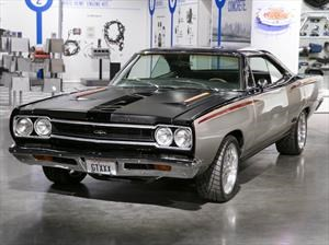 Plymouth GTX 1968 con motor HEMI: potente muscle car
