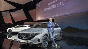 Dieter Zetsche entrega la presidencia de Daimler a Ola Källenius