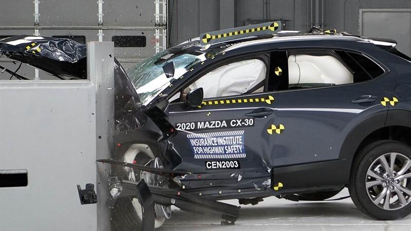 Mazda CX-30 2021 es reconocido con el Top Safety Pick+ (Plus) del IIHS