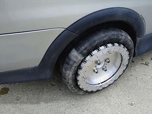 Video: Las ruedas Liddiard van hacia cualquier lado y se adaptan a cualquier auto