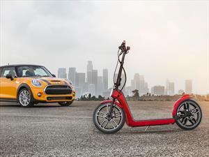 MINI Citysurfer Concept, una scooter eléctrica para el baúl