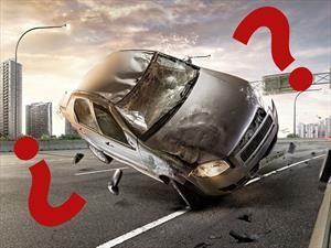 ¿Qué hacer si se me pincha un neumático con el auto andando?