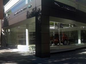 Jaguar Land Rover estrena en Bogotá primera vitrina de Suramérica