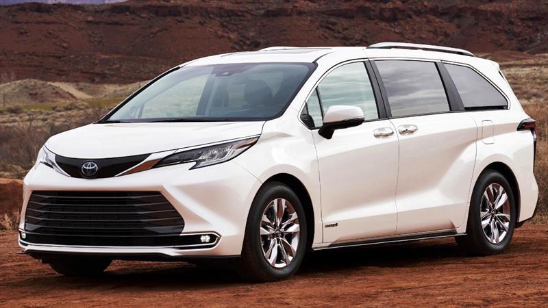 Toyota Sienna 2021 aparece como una minivan totalmente híbrida