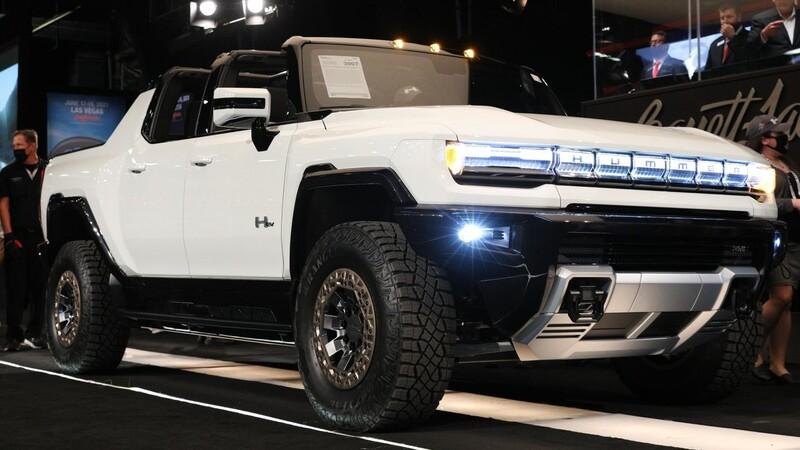 El primer Hummer EV 2022 fue subastado en 2.5 millones de dólares