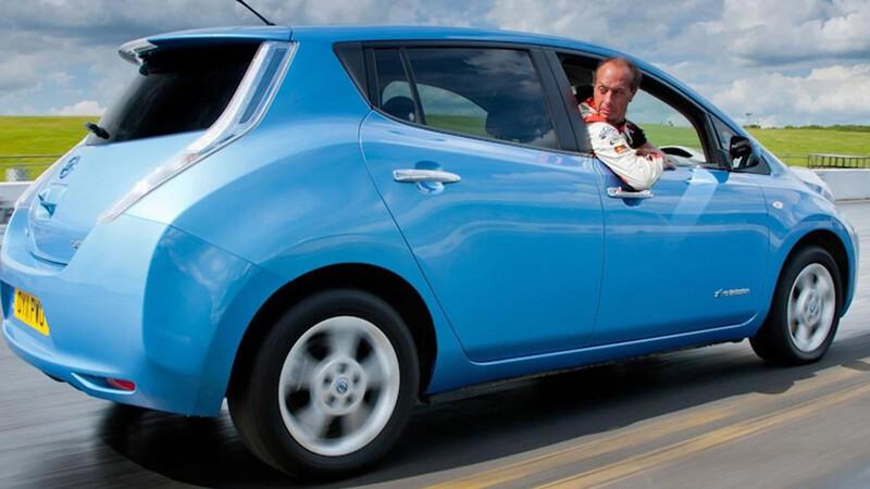 ¿Sabías qué? los autos eléctricos pueden ir a en reversa a altas velocidades