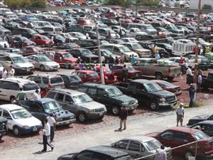 Extienden decreto para frenar la importación de autos usados en México