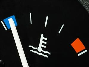 ¿Es importante calentar el motor del automóvil?
