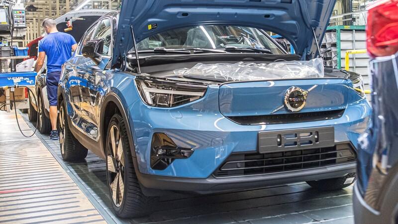 Volvo ya está produciendo el C40 Recharge, su primer modelo exclusivo para electricidad