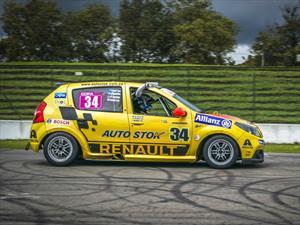 Auto Stok Team, a pegar primero en la recta final del TC2000