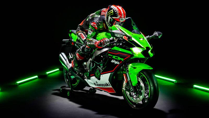 """Kawasaki pinta de """"racing"""" a toda su gama de deportivas"""