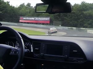 Video: Una verdadera cacería al Alfa Romeo Giulia en Nürburgring
