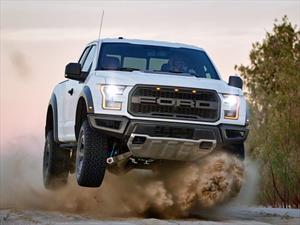 Ford Raptor 2017 derrocha talento en el desierto de Mojave