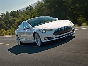 Tesla Model S: ¿El auto más seguro o el más marketinero?