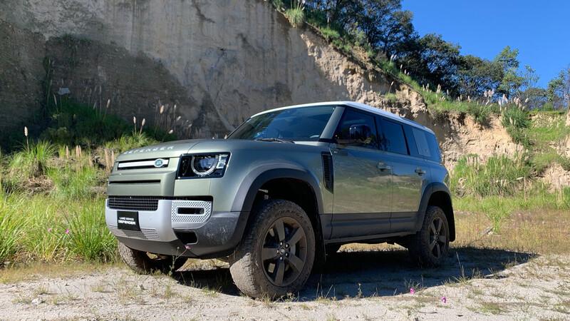 Land Rover Defender 2020 prueba off-road, el 4x4 de lujo también se luce en las rocas