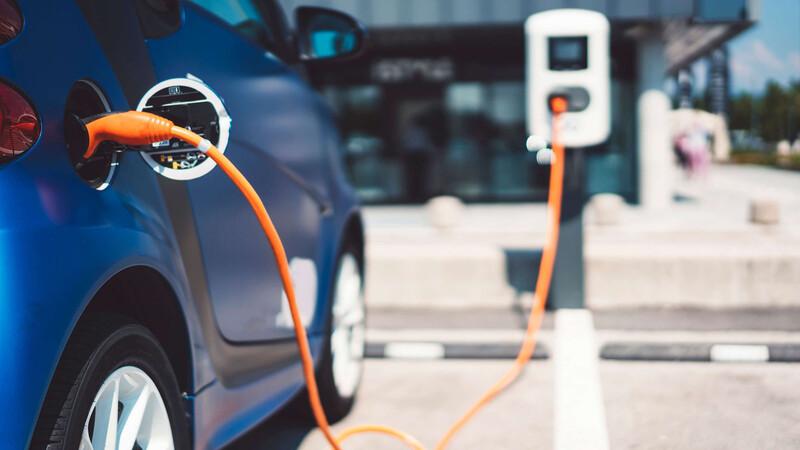 Las baterías para vehículos eléctricos son cada vez más baratas