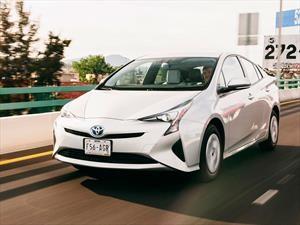 Toyota Prius es llamado a revisión