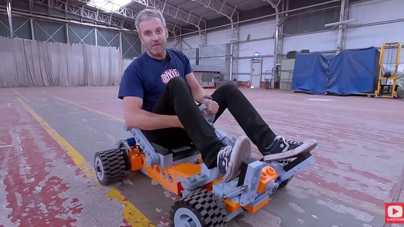 Este fanático de LEGO se armó un karting a escala real