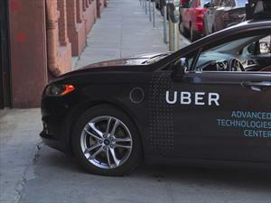 Uber sigue funcionando ¿pero es legal?