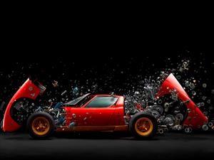 Artista crea una increíble escultura con las partes mecánicas del Lamborghini Miura SV