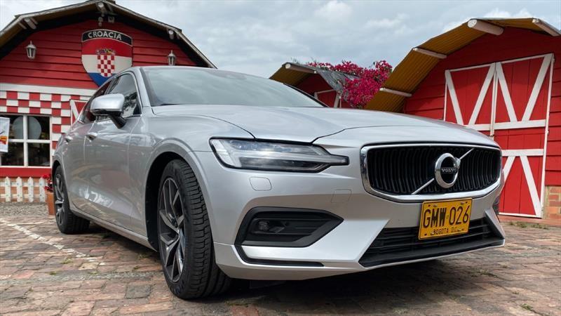Volvo sigue avanzando en sistemas de conducción semi autónoma