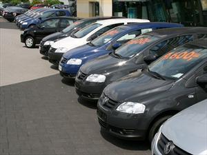En marzo cayó la venta de autos usados