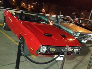 Exhibición de Autos Clásicos en Parque Caracolí