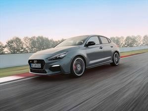 Video: El Hyundai i30 Fastback N corre hacia su debut