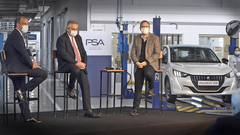 Peugeot Argentina recibió al presidente Alberto Fernandez en su fábrica