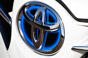 Toyota llama a revisión a 1.7 millones de unidades