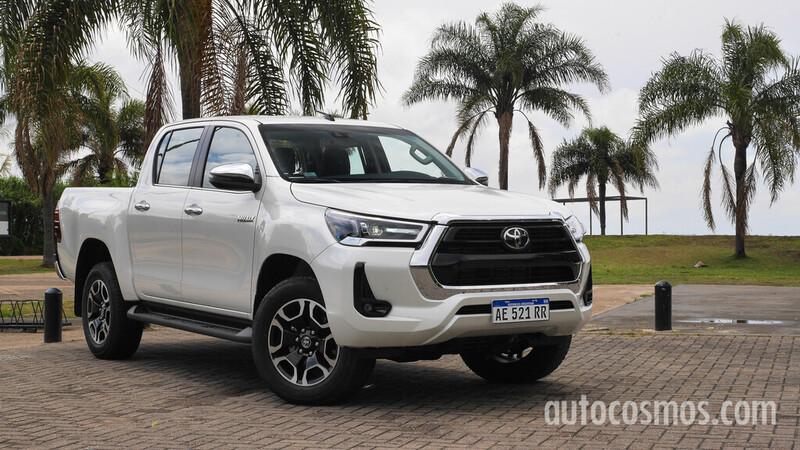 Test drive Toyota Hilux 2021: Más poder al poder
