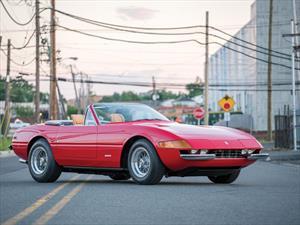 Un Ferrari Daytona Spider de 1973 sale a subasta