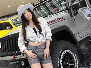 Las bellas chicas del Auto Show de Tokio 2015